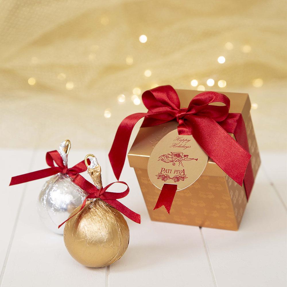 caixa presentinho com bolas de natal2